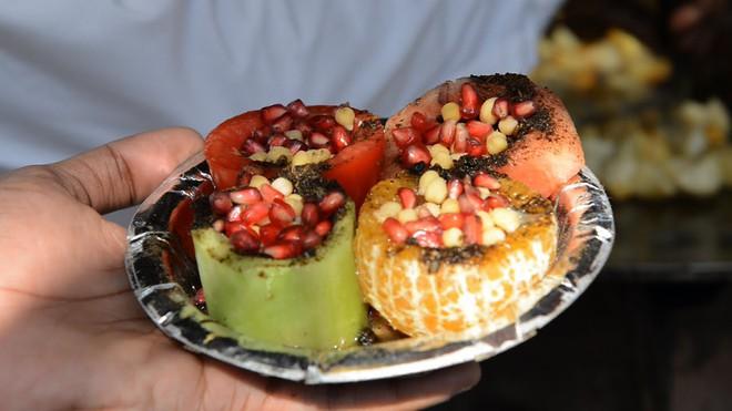 Món ăn độc đáo Kulle Chaat ở Delhi (Ấn Độ) khiến ai cũng tròn xoe mắt vì ngạc nhiên - Ảnh 4.