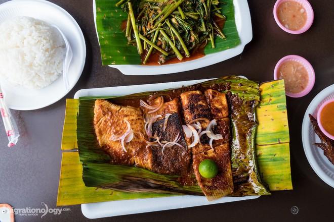 Dạo quanh trung tâm ẩm thực Chomp Chomp (Singapore) bảo đảm món nào nhìn cũng mê - Ảnh 5.