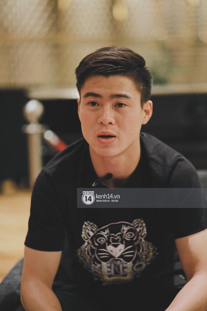 Hot boy Duy Mạnh U23: Trong đội chỉ có mình với Hồng Duy bán hàng online, nhưng thật ra là... đăng hộ bạn gái đấy! - Ảnh 9.