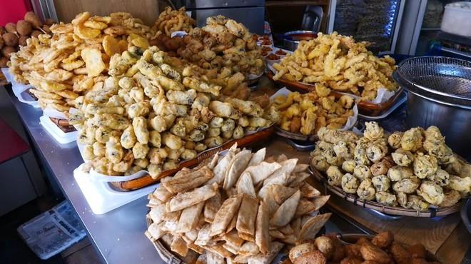 Đột nhập quầy ẩm thực đường phố ở Jecheon (Hàn Quốc) khiến thực khách ăn quên cả lối về - Ảnh 4.