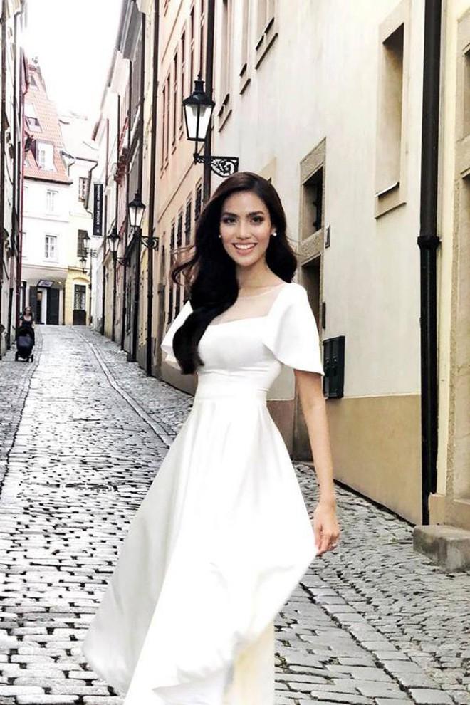3 ngày nữa là lễ cưới, đến tận hôm nay 2 chiếc váy cưới của Lan Khuê mới được hé lộ 4