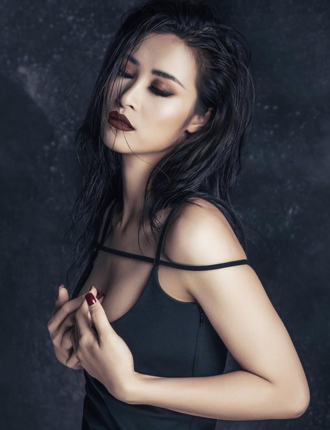 Đông Nhi tung thông điệp ẩn ý, fan đồng loạt thay avatar và cover facebook cổ vũ thần tượng trở lại 4