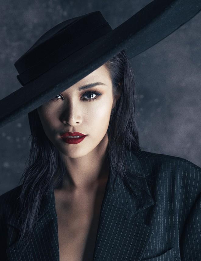 Đông Nhi tung thông điệp ẩn ý, fan đồng loạt thay avatar và cover facebook cổ vũ thần tượng trở lại 1