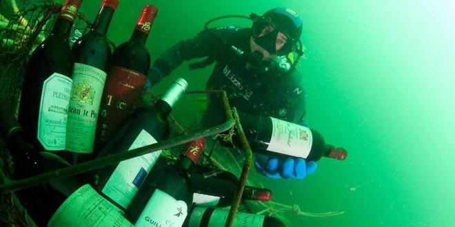 Ghé thăm thị trấn kỳ lạ nhất nước Pháp: Rượu vang chất đầy dưới đáy biển 1a-15391475443161910495304