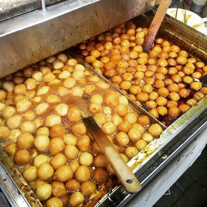 Những món ăn vặt nổi tiếng của Hong Kong ở ngay Sài Gòn 8