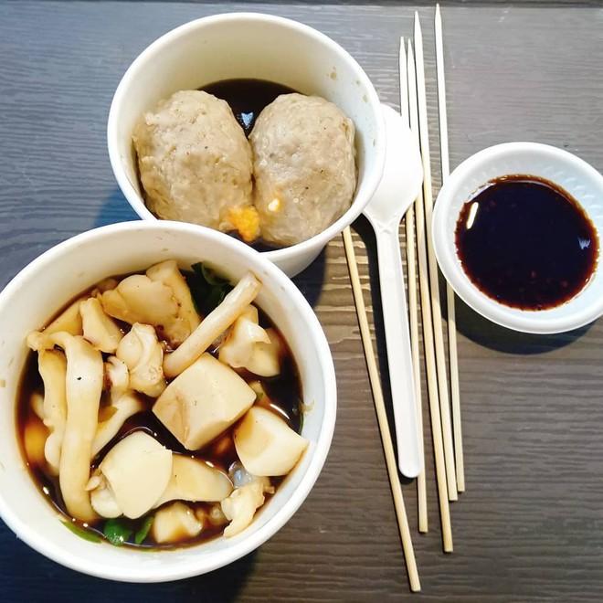 Những món ăn vặt nổi tiếng của Hong Kong ở ngay Sài Gòn 5