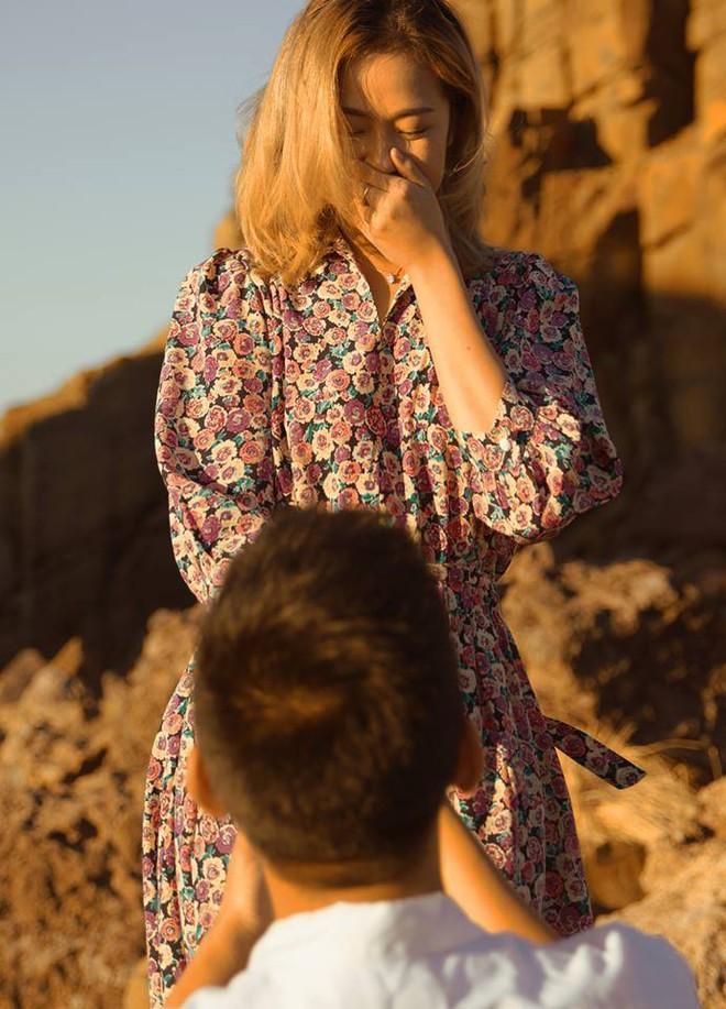 Kỷ niệm 1 năm yêu nhau, chàng du học sinh chở bạn gái đi chụp bộ ảnh đẹp như phim và bất ngờ cầu hôn - Ảnh 3.
