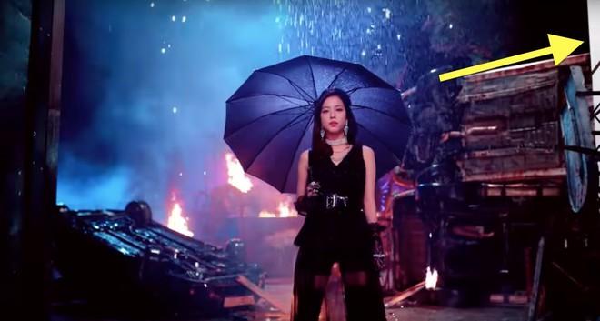 Đẹp không tưởng nhưng những MV Kpop này lại mắc lỗi ngớ ngẩn đến khó hiểu - Ảnh 6.