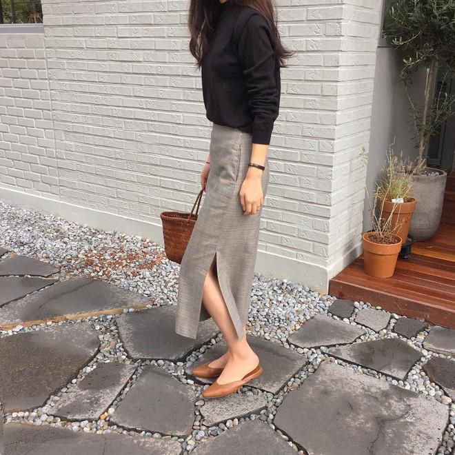 Giày khuyết gót - item dù mang đế bệt cũng kéo dài chân cực khéo, lại nữ tính và trang nhã vô cùng - Ảnh 5.