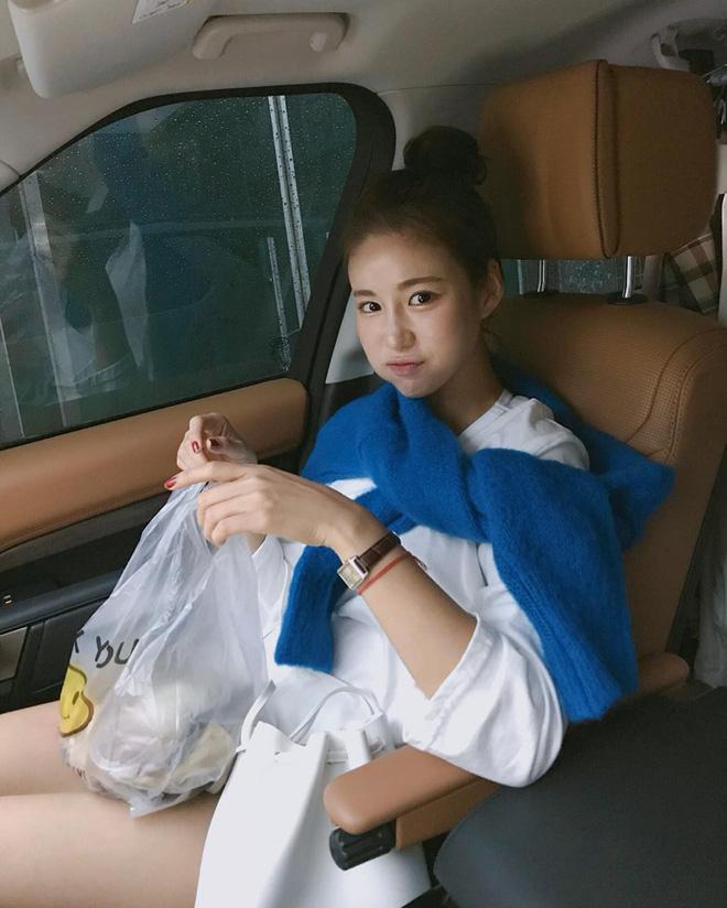 Áo len 2018: Mẫu áo len màu mè Hàn Quốc không mặc hết có thể quàng vai - ảnh 6