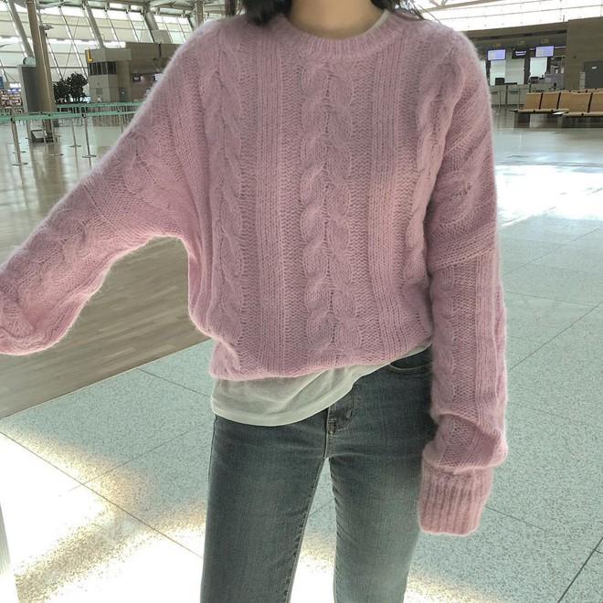 Áo len 2018: Mẫu áo len màu mè Hàn Quốc không mặc hết có thể quàng vai - ảnh 3
