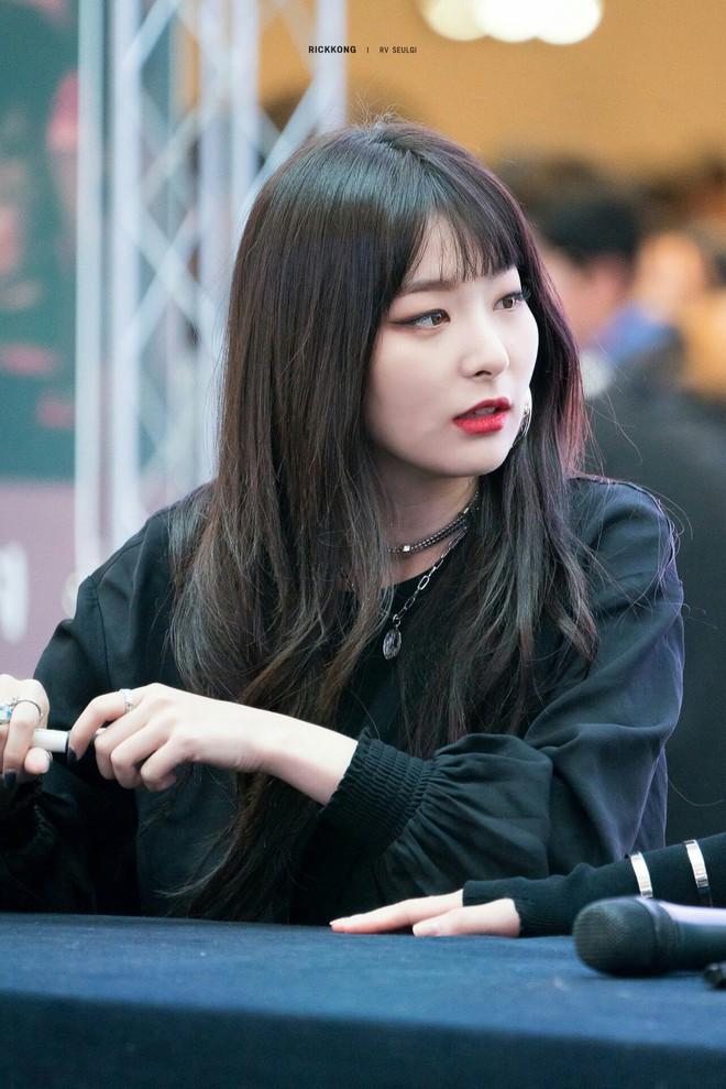 Loạt minh chứng cho thấy: tóc mái thưa thật sự là phao cứu sinh của nhiều idol Hàn - Ảnh 1.