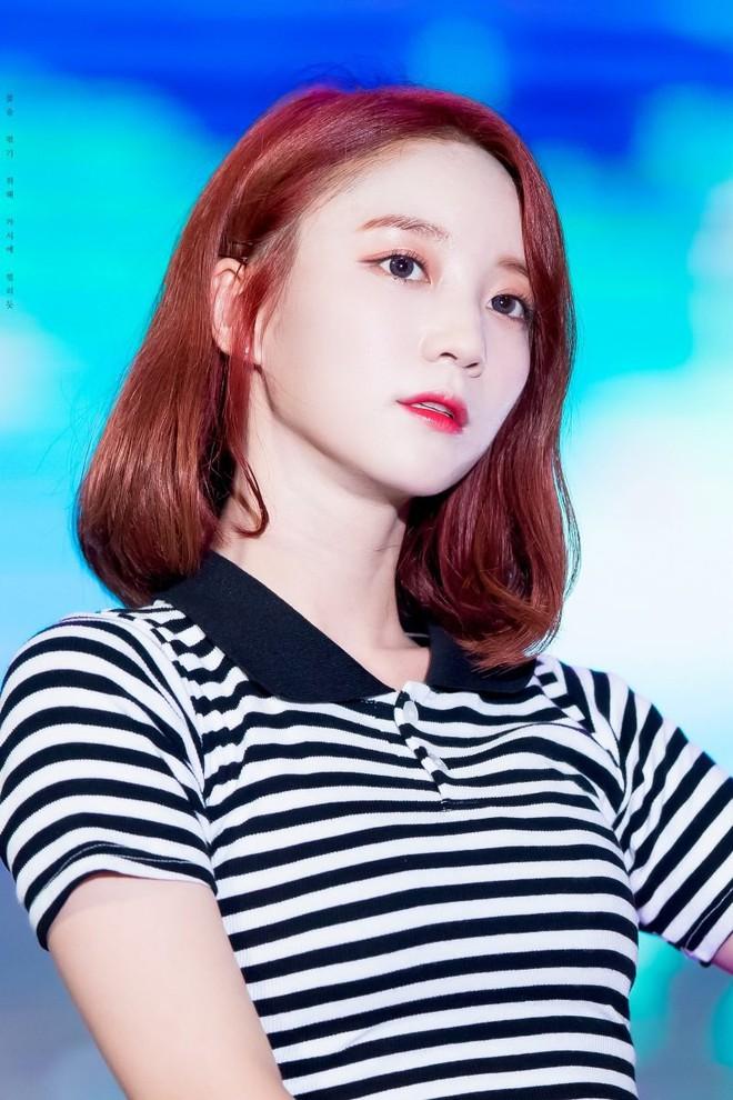 Loạt minh chứng cho thấy: tóc mái thưa thật sự là phao cứu sinh của nhiều idol Hàn - Ảnh 5.