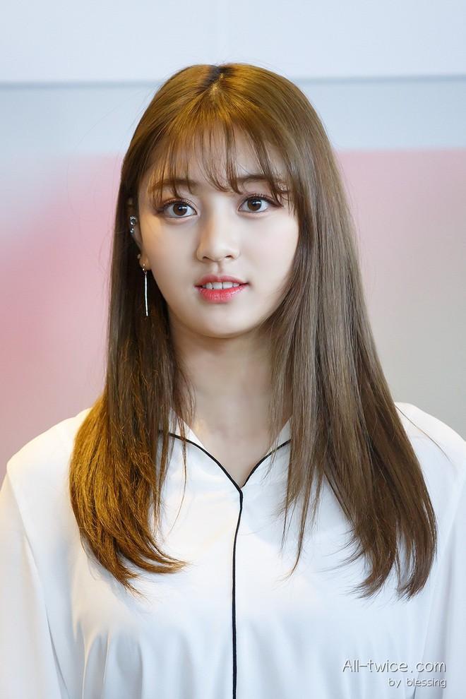 Loạt minh chứng cho thấy: tóc mái thưa thật sự là phao cứu sinh của nhiều idol Hàn - Ảnh 6.