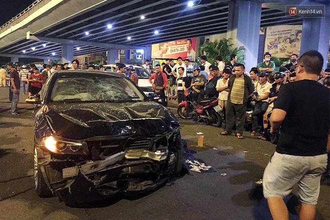 Ảnh: Hiện trường vụ nữ tài xế điều khiển xe BMW gây tai nạn kinh hoàng ở ngã tư Hàng Xanh - Ảnh 2.