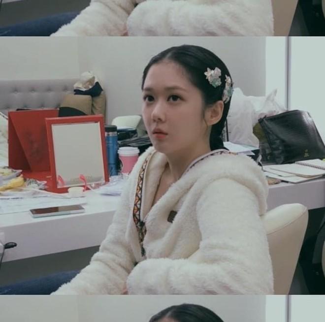 Jang Na Ra trẻ đáng kinh ngạc dù đã bước sang tuổi 38 - Ảnh 3.