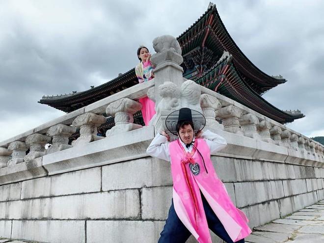 Nhã Phương đăng ảnh so sánh, ẩn ý trách móc Trường Giang chuyên chụp ảnh xấu cho mình - Ảnh 2.