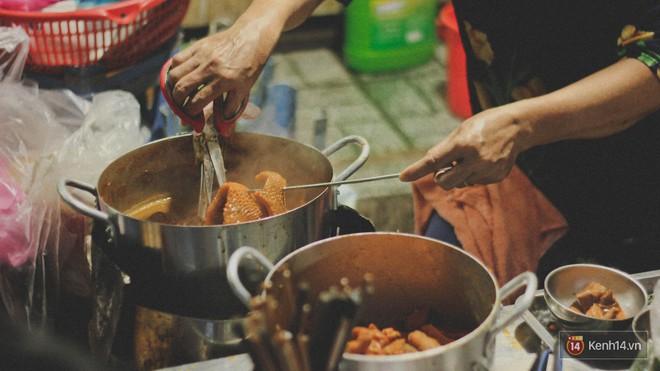 Lang thang khu chợ chiều nhộn nhịp giữa lòng Sài Gòn với hàng loạt món ngon chỉ từ 5k - Ảnh 5.