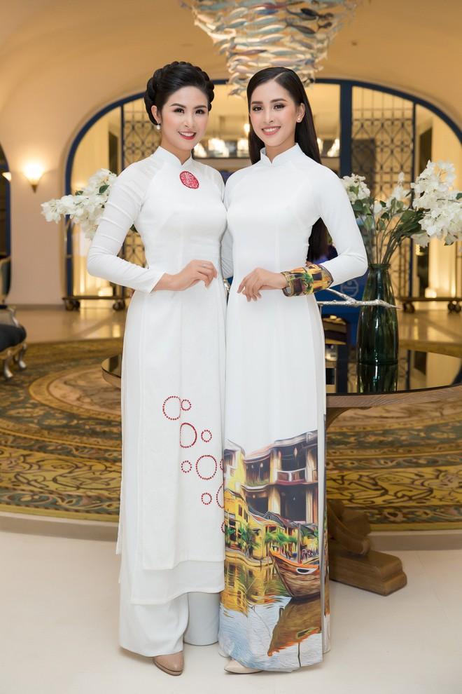 Bộ đôi Hoa hậu Tiểu Vy - Mỹ Linh lần đầu đọ sắc một chín một mười tại sự kiện - Ảnh 3.