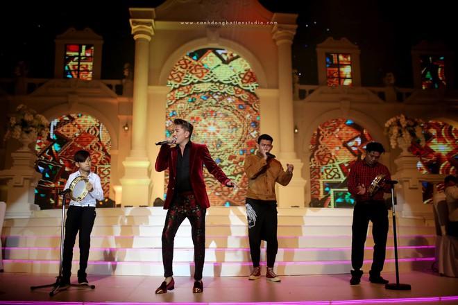 Đám cưới siêu khủng ở Đà Nẵng: Thuê nhà thi đấu có sức chứa hơn 7.000 khách, mời dàn ca sĩ nổi tiếng Đàm Vĩnh Hưng, Dương Triệu Vũ - Ảnh 8.