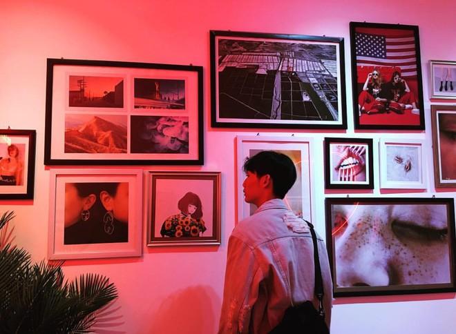 Ngoài quán cà phê, giới trẻ Việt Nam giờ còn ùn ùn đến các shop quần áo để chụp ảnh - Ảnh 5.