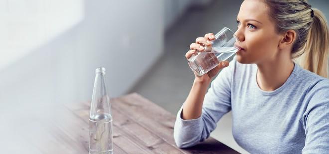 Ngộ độc nước - nghe kì lạ nhưng đã từng gây tử vong, nhiều người có nguy cơ gặp phải mà không biết - Ảnh 3.
