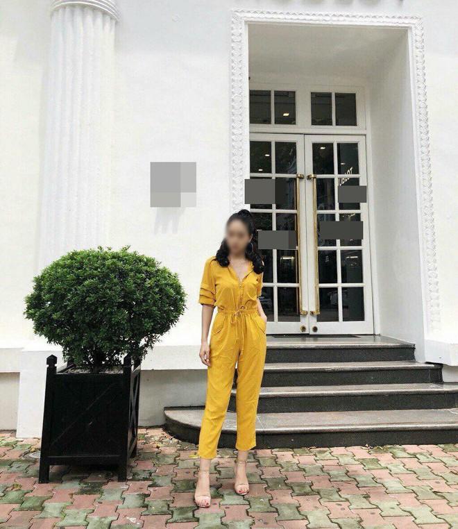 Đặt mua bộ jumpsuit vàng sang chảnh trên mạng, cô gái kêu trời vì mặc thử chẳng khác gì bộ đồ thợ lặn - Ảnh 2.