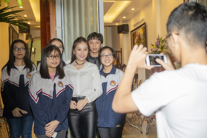 Quuñnh Búp Bé After the success, Phuong Oanh fans fall in appreciation home - Photo 3.