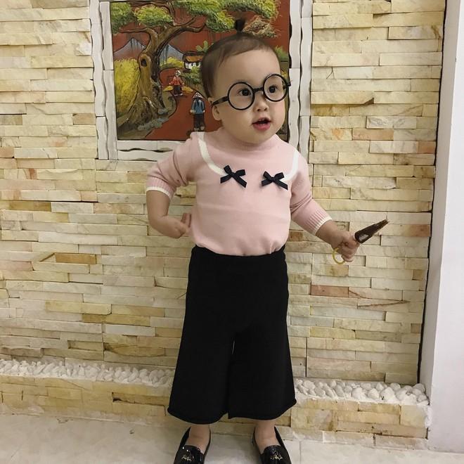 """Đáng yêu """"nổ"""" MXH: Cô bé 3 tuổi khóc lóc gọi điện cầu cứu ông nội vì bị bố trêu đến không ngủ được! - Ảnh 8."""