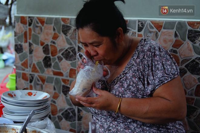 Tiệm ăn hàng 30 năm của dì Gái chịu chơi nhất Sài Gòn, mối ngày bán trong 1 giờ là hết veo - Ảnh 9.