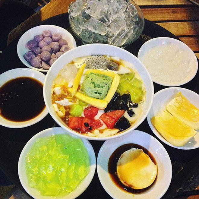 Sài Gòn có những món đếm mãi không hết những loại topping ăn kèm - Ảnh 1.