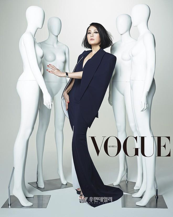 Sao Hàn nói dối trắng trợn về học lực: Giả profile để thăng tiến, số 8 là gương mặt nổi tiếng châu Á