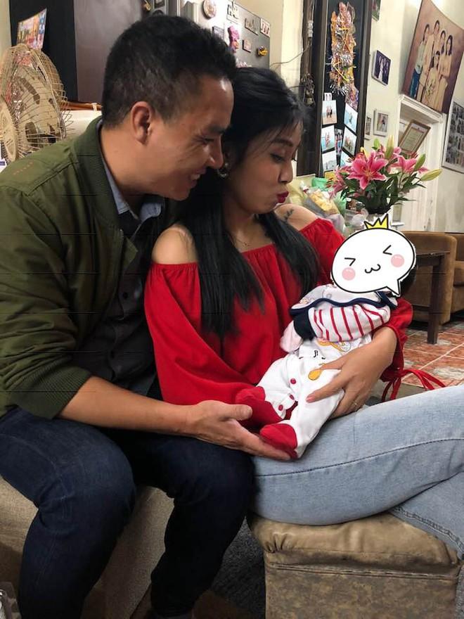 Vừa hôm qua MC Hoàng Linh công khai chia tay, hôm nay hôn phu đã post ảnh cả hai vẫn thắm thiết - Ảnh 3.