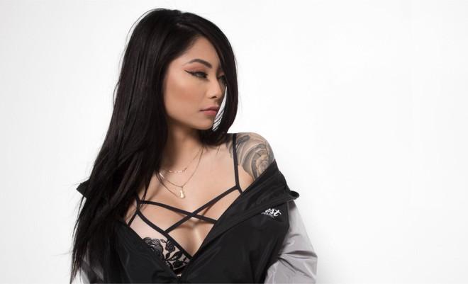 """Rapper Binz khoe bạn gái mang dòng máu lai Việt – Đài, có body nóng bỏng """"đốt mắt"""""""