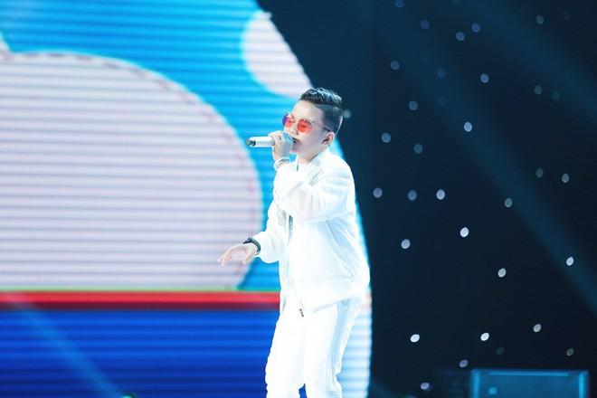 Giọng hát Việt nhí: Bảo Anh đau khổ, Khắc Hưng bật khóc như mưa vì tự tay đưa học trò vào top nguy hiểm - Ảnh 7.
