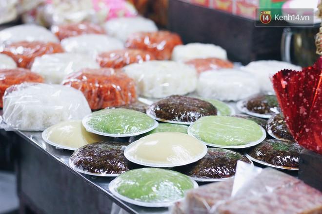 """Bên trong khu chợ """"khét tiếng"""" của Hà Nội là cả một thiên đường ăn uống từ món ăn vặt đến ăn no - Ảnh 5."""