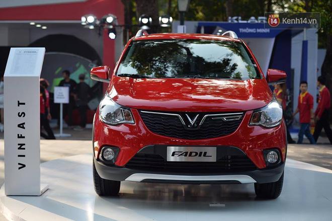 Giá xe VinFast: Xe ô tô VinFast Fadil có giá 336 triệu đồng - ảnh