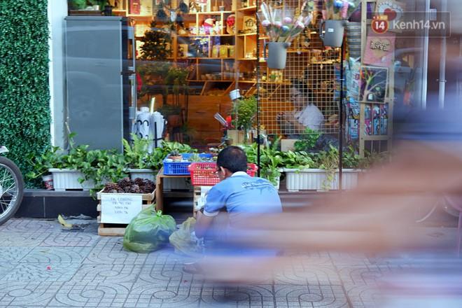 Chuyện về tiệm xương rồng ở Sài Gòn của chàng trai mồ côi, bị u não nhưng vẫn làm việc vì trẻ em ung thư: Càng lạc quan, càng sống khỏe! - Ảnh 2.
