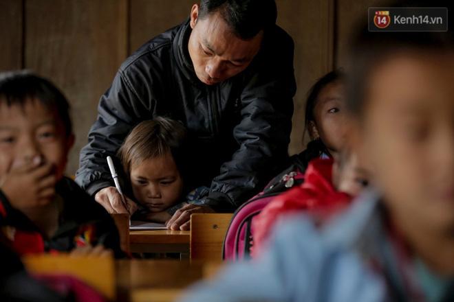 Tuổi xuân của những thầy giáo trẻ và ước mơ dang dở của học trò nghèo trên đỉnh trời Phà Cà Tún - Ảnh 8.