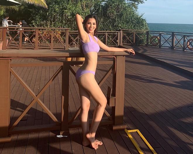 Đọ body nóng bỏng khi diện bikini của 6 nàng hậu Vbiz trên đấu trường quốc tế 2018 - Ảnh 1.
