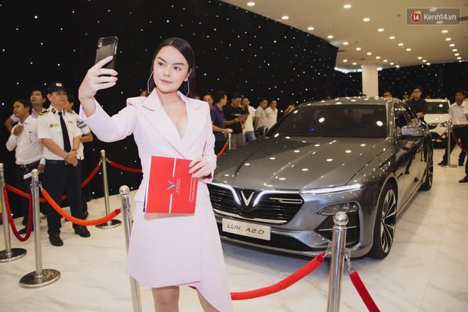 """Giới showbiz cũng """"rộn ràng"""" vì xe VinFast: Sao nam """"mê mệt"""" SUV Lux SA 2.0, sao nữ """"rước"""" bằng được Klara về nhà - Ảnh 11."""