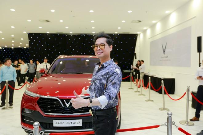 """Giới showbiz cũng """"rộn ràng"""" vì xe VinFast: Sao nam """"mê mệt"""" SUV Lux SA 2.0, sao nữ """"rước"""" bằng được Klara về nhà - Ảnh 4."""