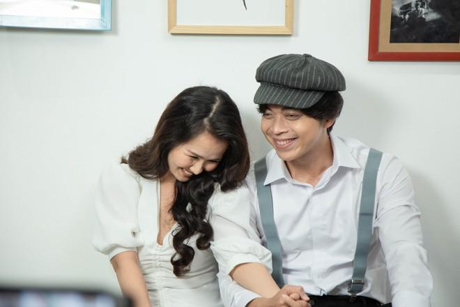 Võ Hạ Trâm ngượng ngùng khi diễn cảnh tình cảm với Lân Nhã trong MV mới - Ảnh 3.