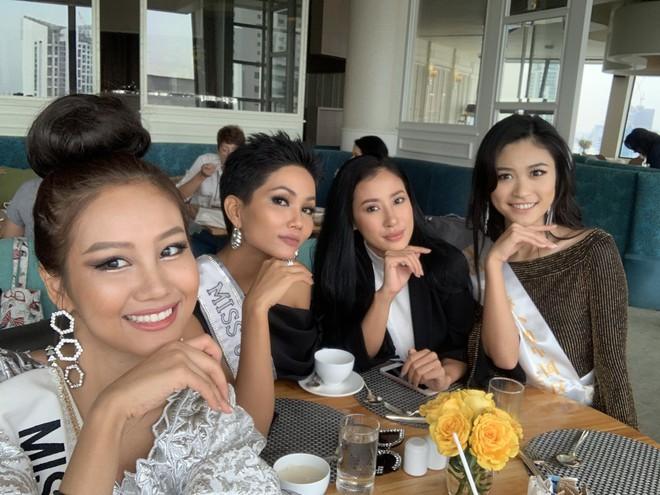 HHen Niê nhập cuộc Miss Universe 2018, thân thiết hết cỡ cùng dàn mỹ nhân quốc tế trong ngày đầu tiên - Ảnh 8.