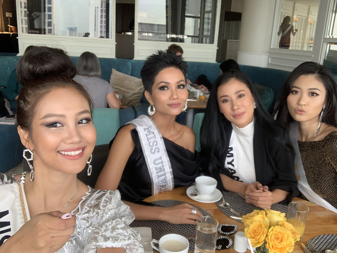 HHen Niê nhập cuộc Miss Universe 2018, thân thiết hết cỡ cùng dàn mỹ nhân quốc tế trong ngày đầu tiên - Ảnh 7.