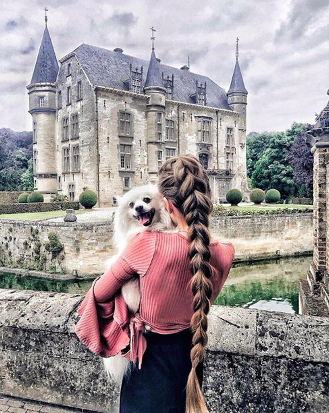 """Đăng ảnh toàn tóc là tóc, """"Công chúa tóc mây"""" người Hà Lan vẫn nổi tiếng ầm ầm trên Instagram - Ảnh 1."""