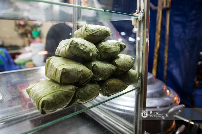 """Tìm đâu những hàng xôi sáng nổi tiếng ở Sài Gòn để """"khởi động"""" ngày mới - Ảnh 1."""