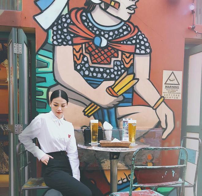 Hoa hậu Phương Khánh: Style đồ đen - trắng vừa đẹp vừa gợi cảm