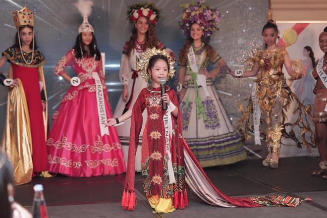 Cô bé Việt Nam 6 tuổi trở thành tân Hoa hậu nhí Á Âu 2018 - Ảnh 5.