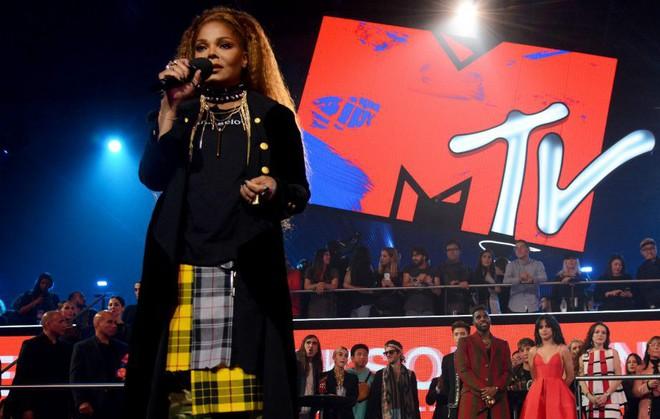 5 khoảnh khắc đáng nhớ nhất tại lễ trao giải MTV EMAs 2018 - Ảnh 5.